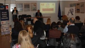 Η Πρόεδρος της Ε.Ε.Σ.ΝΑ.Ε., Δρ. Μαρία Λίτινα, κατά τη διάρκεια της ανακοίνωσής της με θέμα <em>Ελληνο-Βουλγαρικές εμπορικές δραστηριότητες και εθνικοί αυτοπροσδιορισμοί στον ΧΙΧ αι.: η περίπτωση της οικογένειας Ρόμβη.